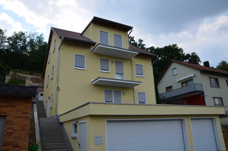 2 geschossiges Wohnhaus mit 50 cm Kniestock, Teilunterkellerung und Garage, 36 Grad Satteldach in Ochsenfurt